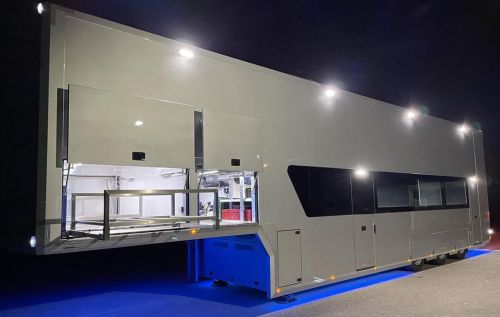 4 Car transporter with Office and Bathroom
