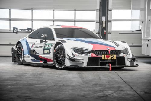 BMW M4 DTM rolling chassis #1100 and simulator.